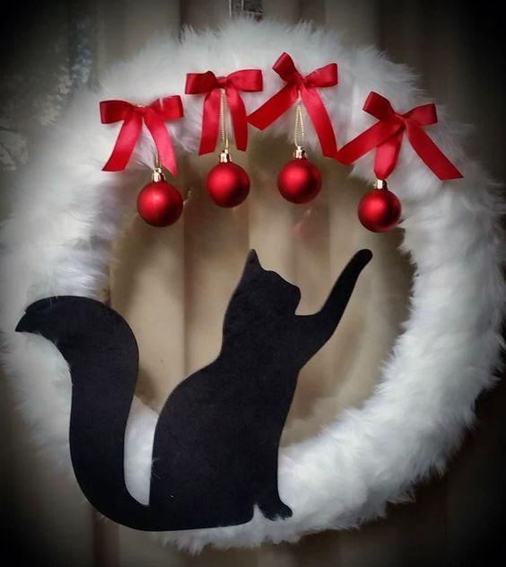 DIY Cat Playing Wreath