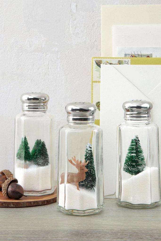 Holiday Salt Shakers | DIY Christmas Decorations