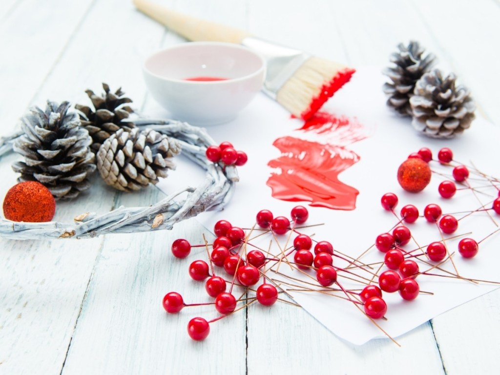 DIY Christmas Decorations & Decor Ideas