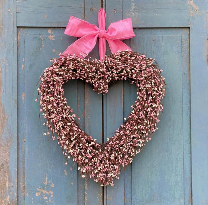 Pip Berry Heart Wreath