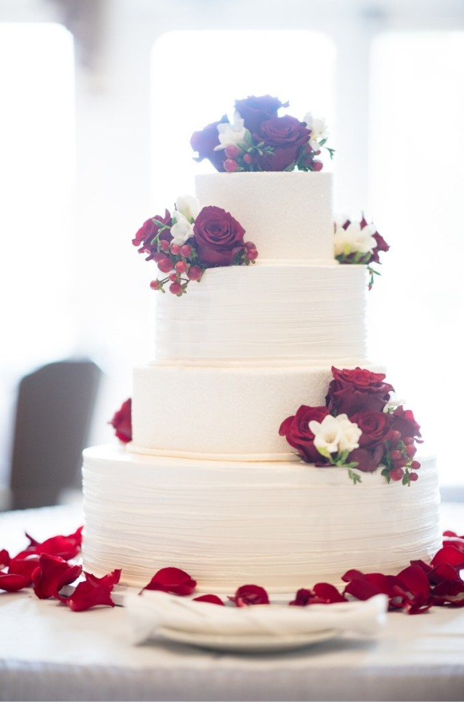 Classic Red Roses & White Wedding Cake