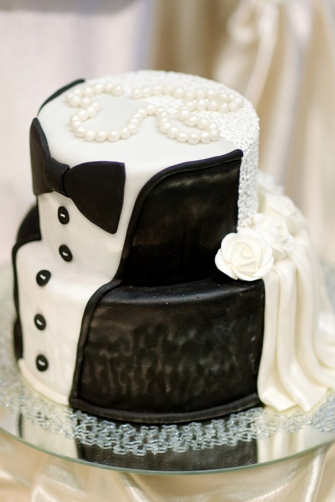 Tuxedo Black and White Wedding Cake