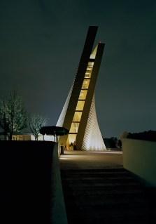 art-and-liturgy-sordo-madalenos-architects-mexico-city-san-josemaria-escriva-exterior-02