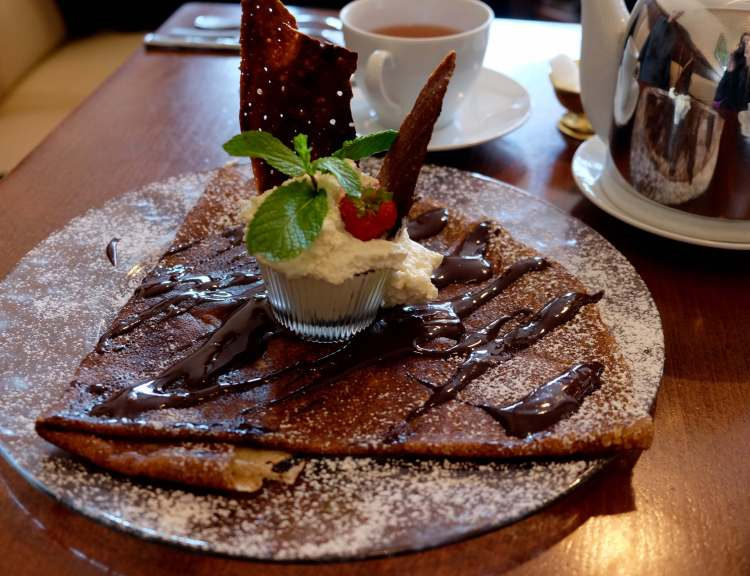 Chocolate Crêpe