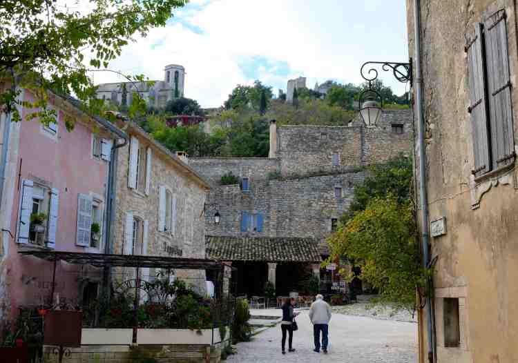 Oppede-Le-Vieux town center