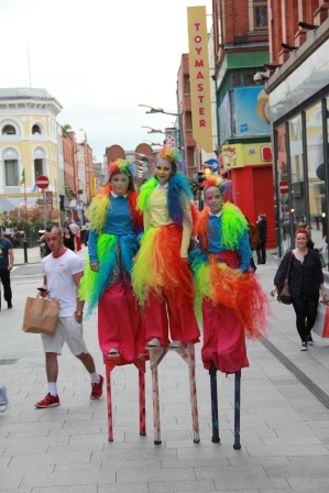 Stilt walking classes in ireland with Artastic