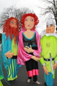 Large walkabout puppets. Street entertainers Ireland