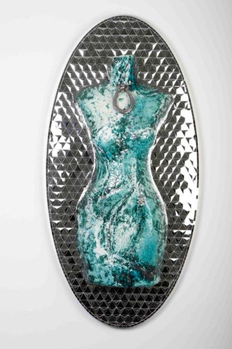 120 x 60 x 20 cm, Ceramic and mirror, 2016