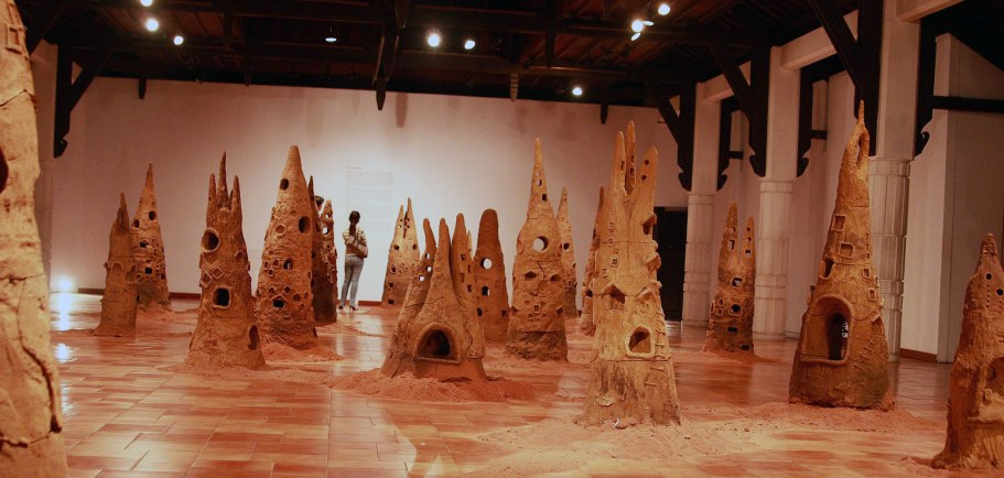 2008, unfired earthenware clay, sculpting, variable dimension – approx. 1 – 2 m