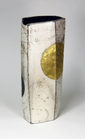 34,5 x 7,5 x 13,5 cm, white clay, raku firing, glazes, gold, 2016