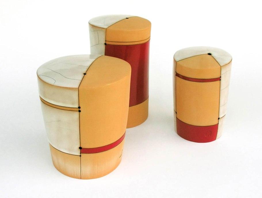 19,5 x 36 x 25 cm, red clay, glazes, electric firing, 2011
