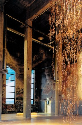 Branches II, Earthenware, 10 meters high, 2003, Nordic Contemporary Craft