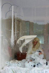 Strange Fruit, Performance with earthenware, textile and a wig. 2009, Starbrick
