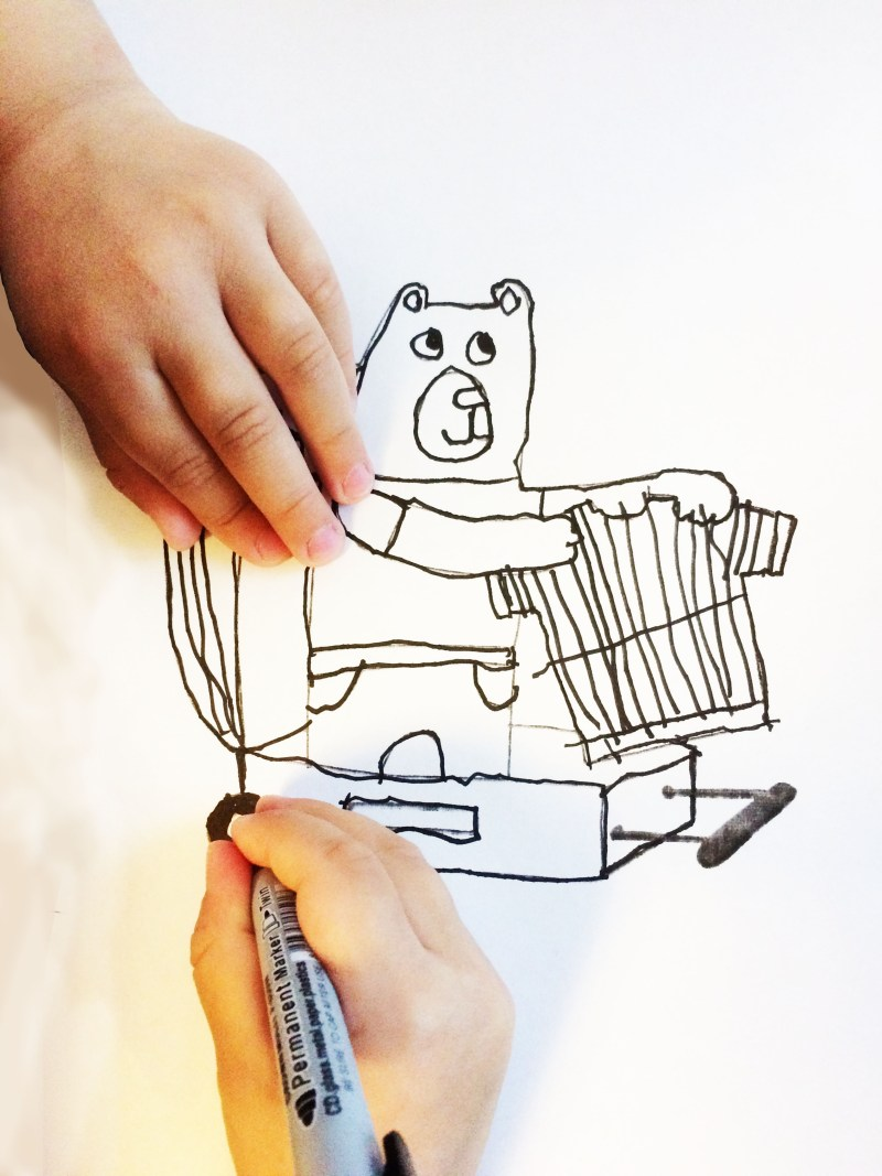 раскраска-обводилка, тренировка руки к школе, подготовка руки к школе, медвежонок