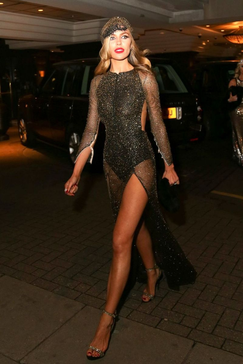 abbey-clancy-her-30th-birthday-celebration-in-london-january-2016-1