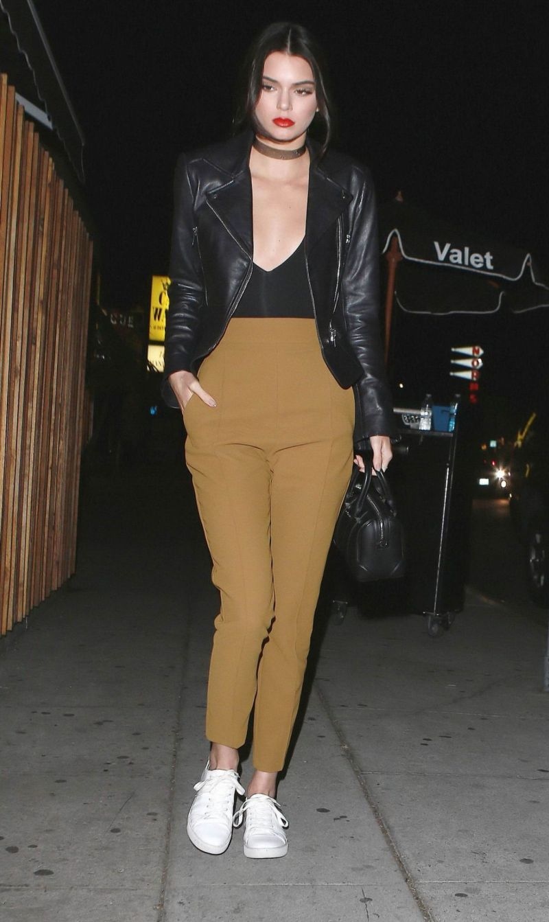 kendall-jenner-night-out-style-arriving-at-nice-guy-in-west-hollywood-january-2016-1