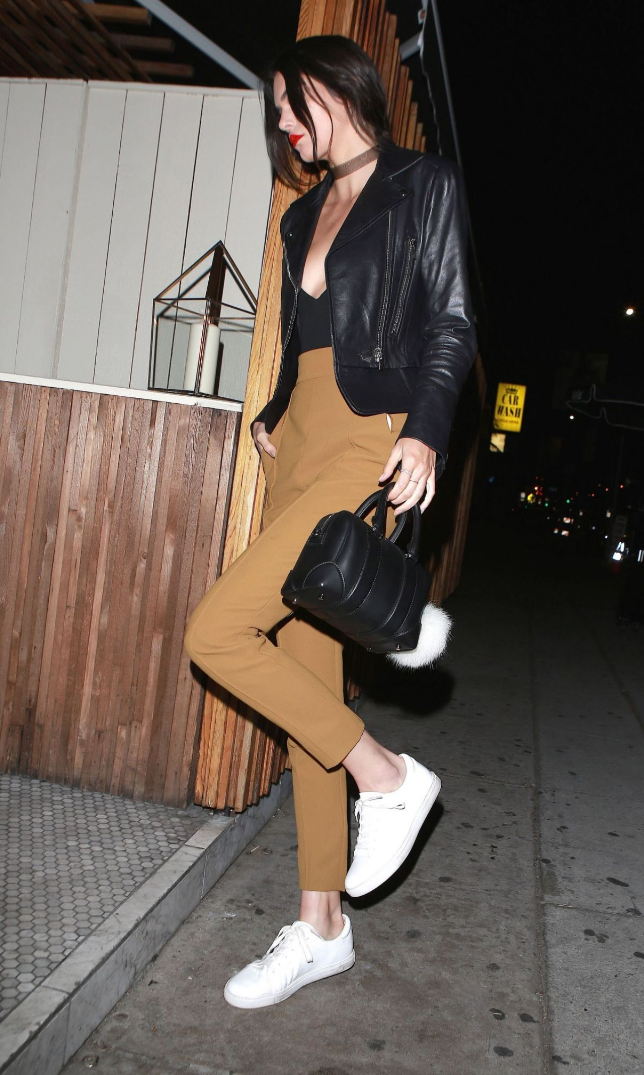 kendall-jenner-night-out-style-arriving-at-nice-guy-in-west-hollywood-january-2016-5