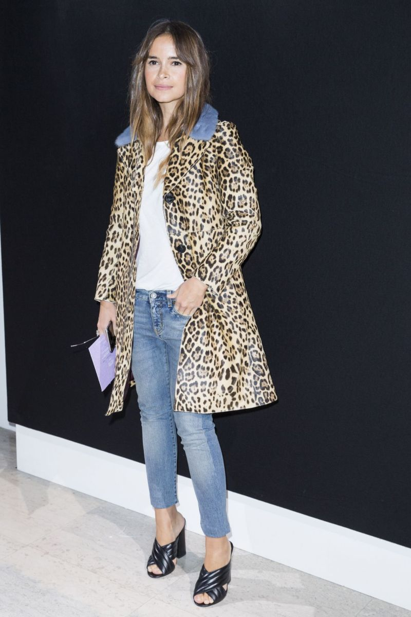 miroslava-duma-haute-couture-fashion-show-giorgio-armani-prive-spring-summer-2016-photocall-in-paris-1