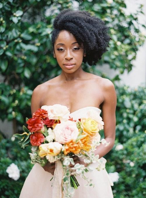 5-asymmetric-natural-wedding-hairstyle-for-short-hair