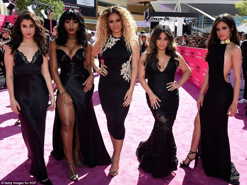 34822d0000000578-3595583-beauties_in_black_the_ladies_of_fifth_harmony_worked_their_glam_-m-181_1463959285556