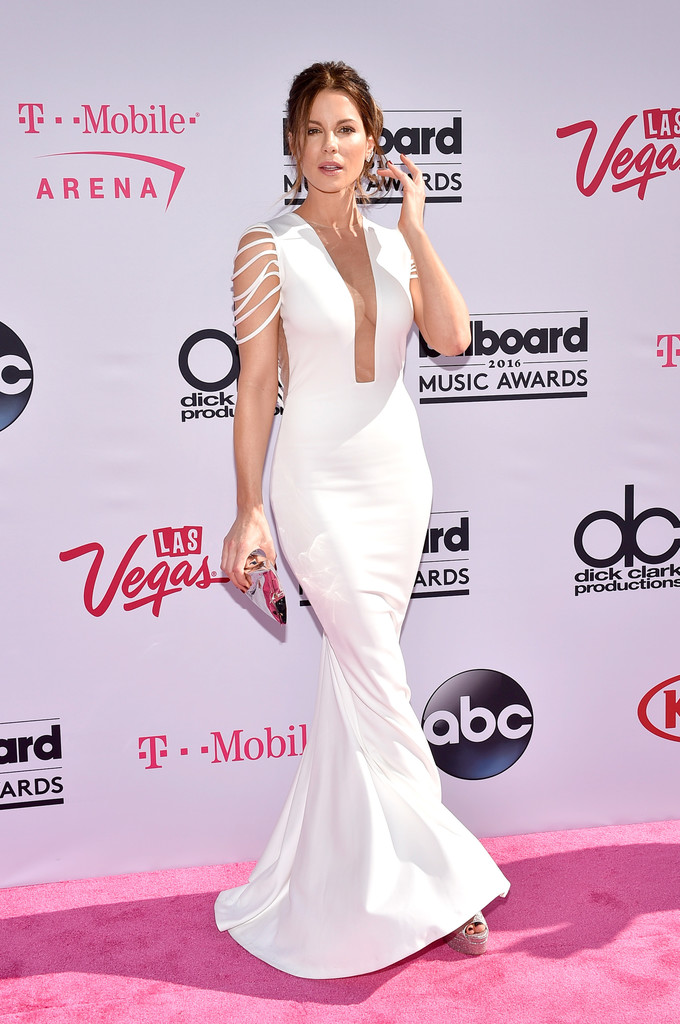 katebeckinsale2016billboardmusicawardsizoofeg7tamx