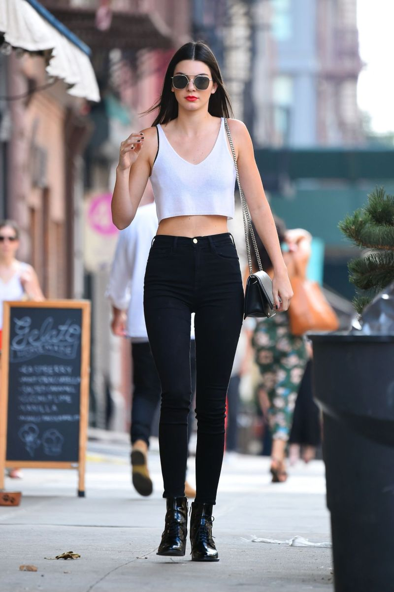 kendall-jenner-chic-outfit-nyc-7-22-2016-5