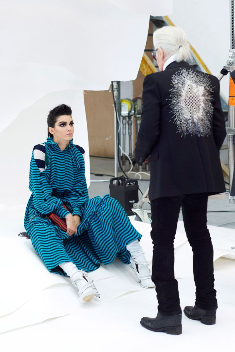 kendall-jenner-fendi-fall-winter-campaign-2016-2017-15