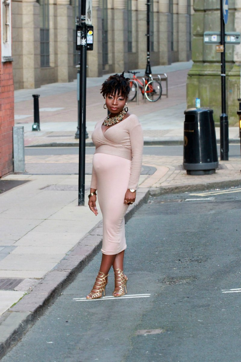 nude glow outfit natural hair a