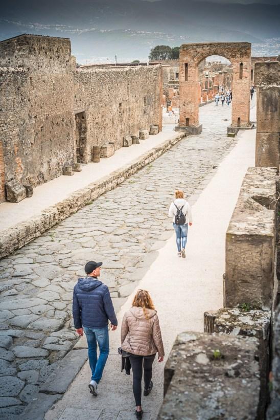 Via dell'Abbondanza, Pompeii