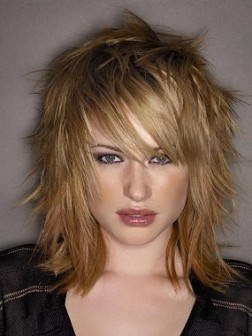 medium-razored-hair-style-252x336