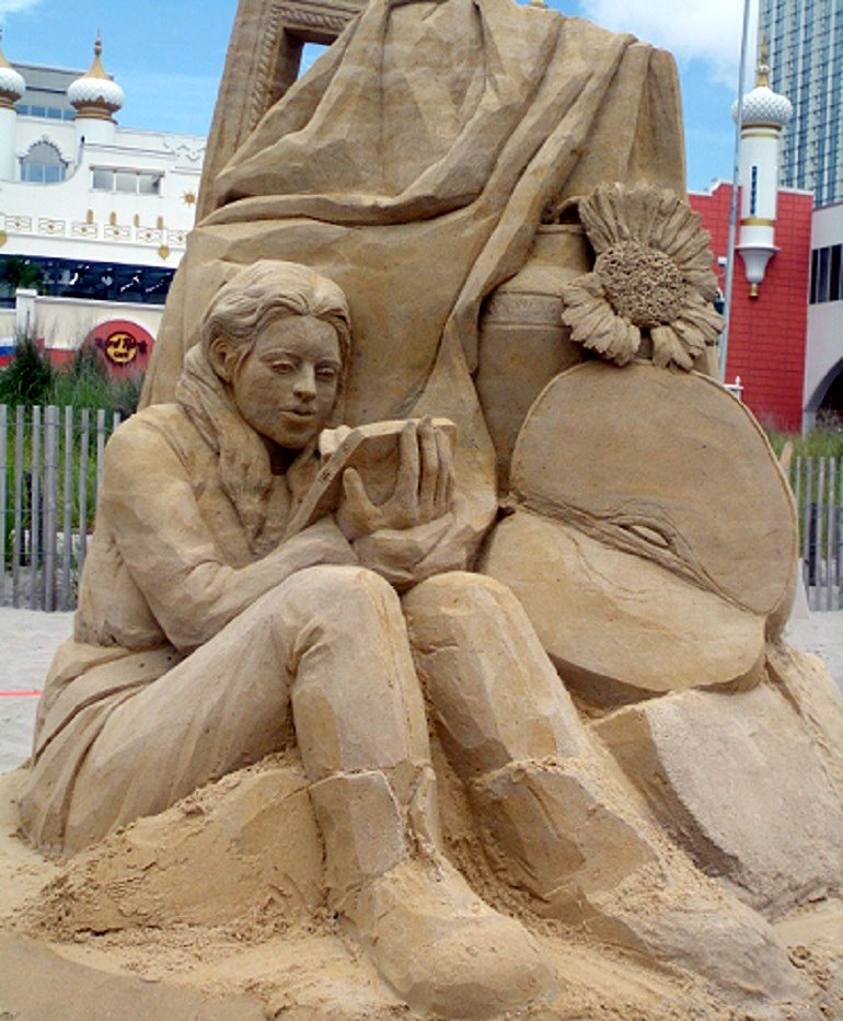 Image- Still Life by Michela Ciappini from Italy captured the hearts of the tourists and art lovers at the sand sculpture festival in Atlantic City