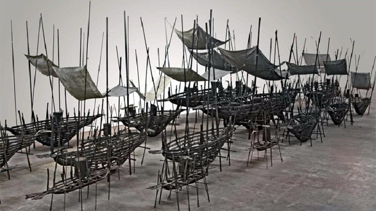 Poverty and War: Famous Spanish Artist Addresses Migration