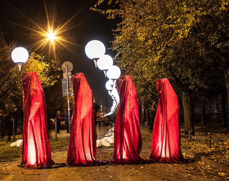 Image: Sculptures known as Guardians of Time by Australian artist Manfred Kielnhofer in celebrate at the 25 anniversary of the fall of the Berlin in Germany-Memory of Berlin Wall
