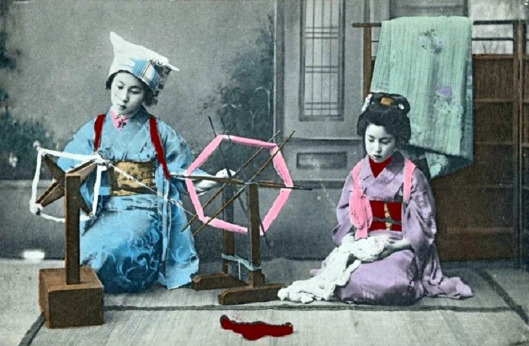 Image: Maiko at the Spinning Wheel, 1907-1918, one of the images in the New York Public Library collection