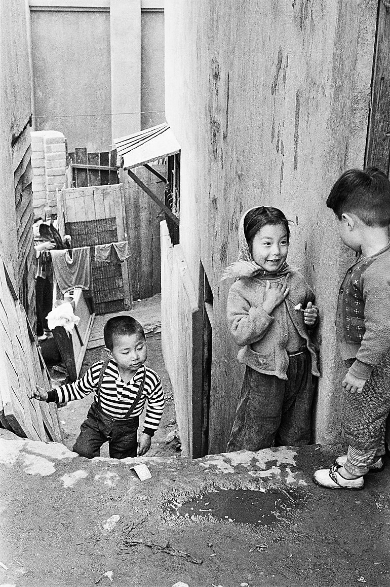Image: Malli-Dong, a photograph by Korean Photographer Han Youngsoo shows life in Seoul, Korea after the Korean War