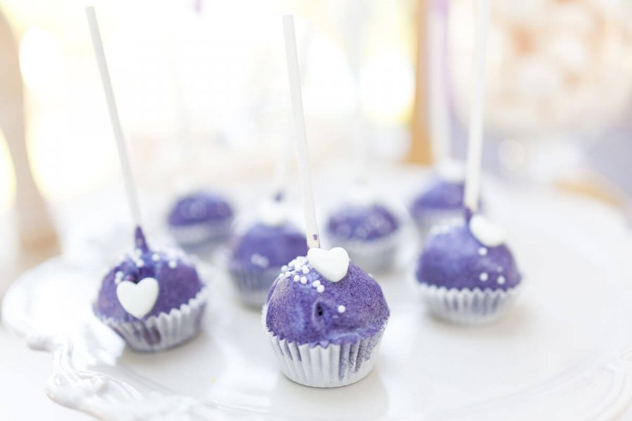 Ultra violet wedding dessert