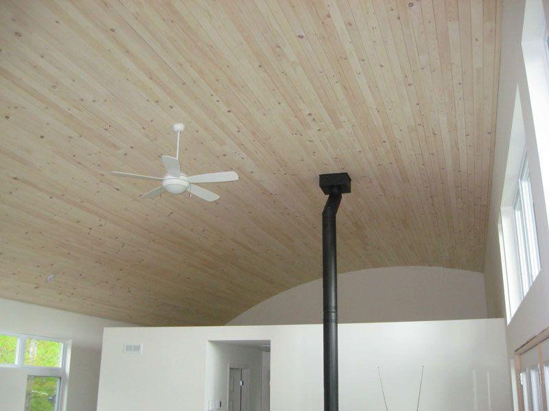 Plafond pin blanc fini avec Brio Blanc antique
