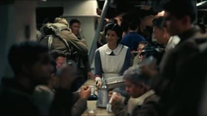 13846-dunkirk-tv-spot-trapped