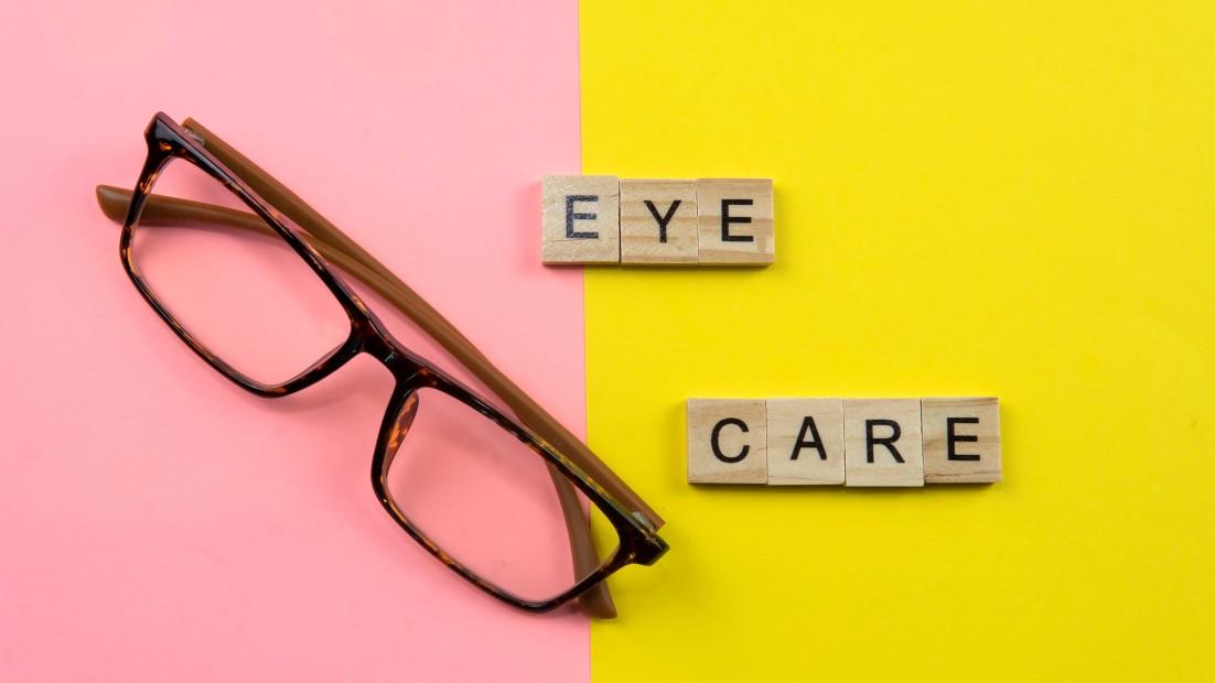 health-eye-care-vision-eyesight-optical-medical-medicine-ophthalmology-sight-test-lens-optometry_t20_vO3J76