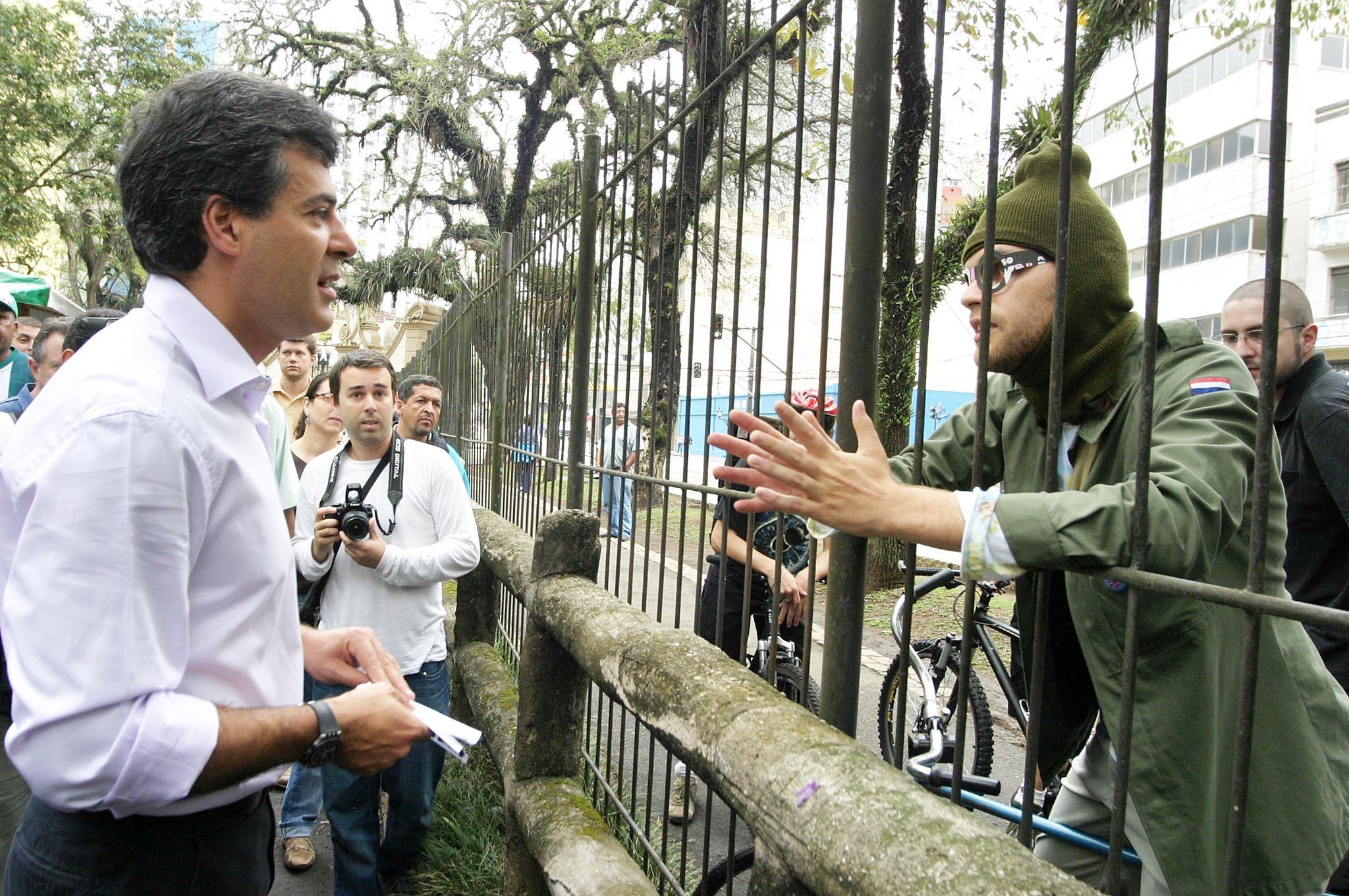 bicicletada encontra o prefeito Beto Richa no DIA SEM CARRO de 2007