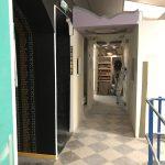 Couloir d'accès aux ilots de travail