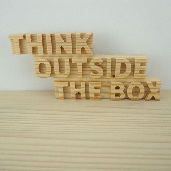 Frase Think Outside Box