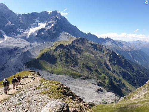 """Viaggio che ho fatto in montagna, nel Trentino. """"É stato solo dopo essermi sentita così piccola che ho capito quanto grande fosse il mondo"""""""