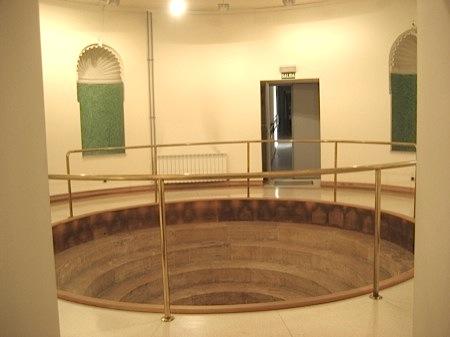 Baño de Isabel II conservado en el Palacio Viejo