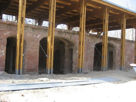 Exterior de las Grutas en 2008