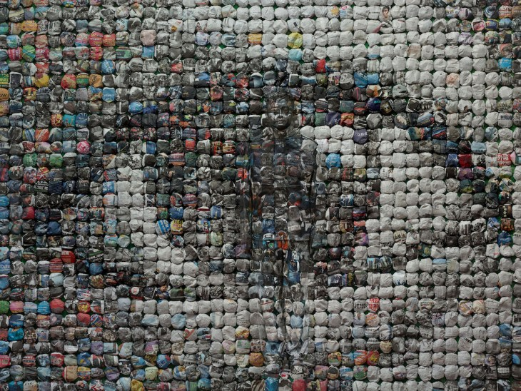 Liu Bolin_Your World_Hiding in the City_2014 © Liu Bolin_Courtesy Galerie Paris-Beijing.jpg