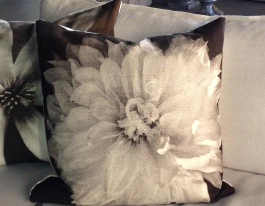 Dahlia Pillow 110313