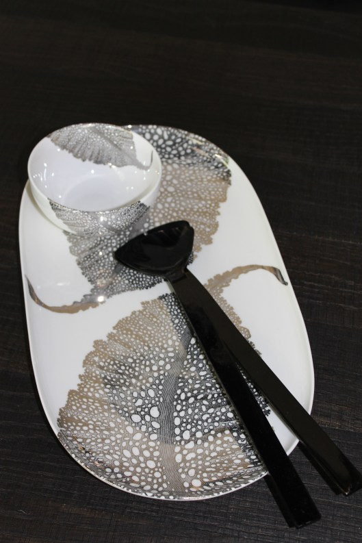 sea fan oval platter, small bowl and triangle horn servers 083013