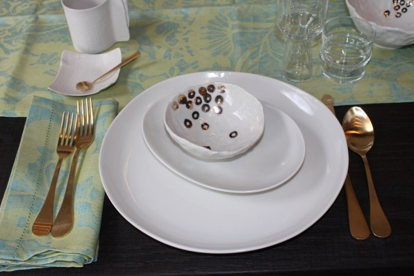 beachstone place setting with fancy bowl