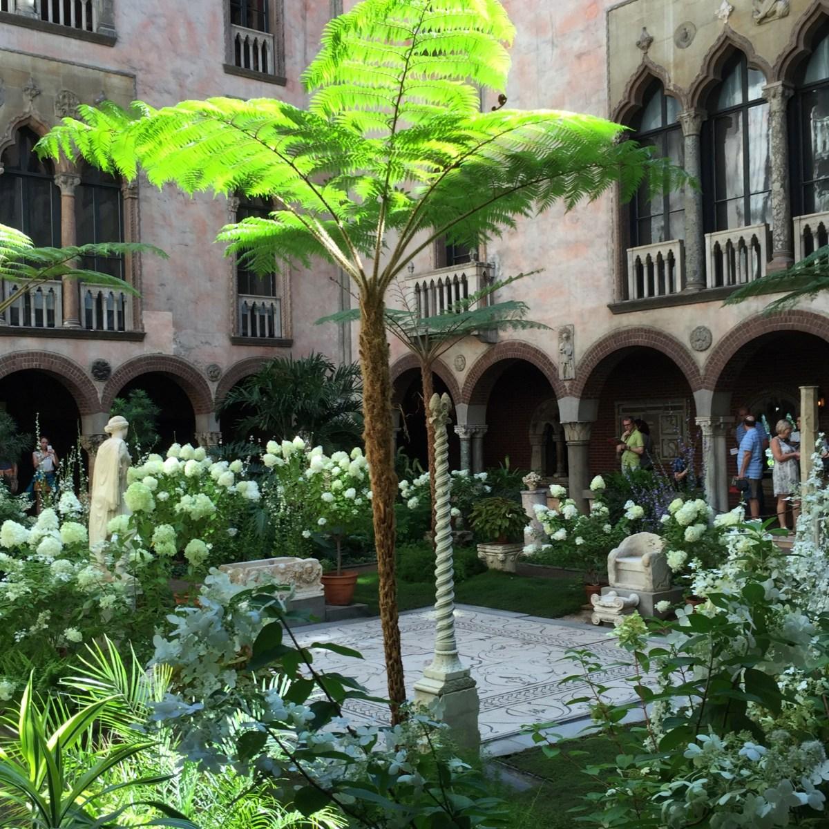 courtyard-sun-isabella-stewart-gardner